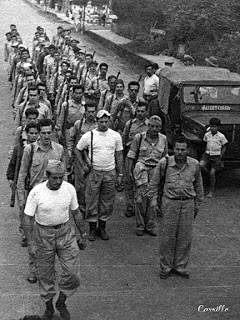 January 1955. Improvised army with Costa Rican volunteers who respond to the call of President José Figueres Ferrer and march to the battle front. Photograph by Rodolfo Carrillo Arias.